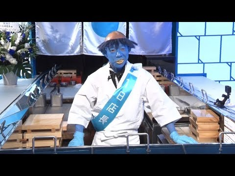 バイキング小峠、青いカッパ姿で一日店長