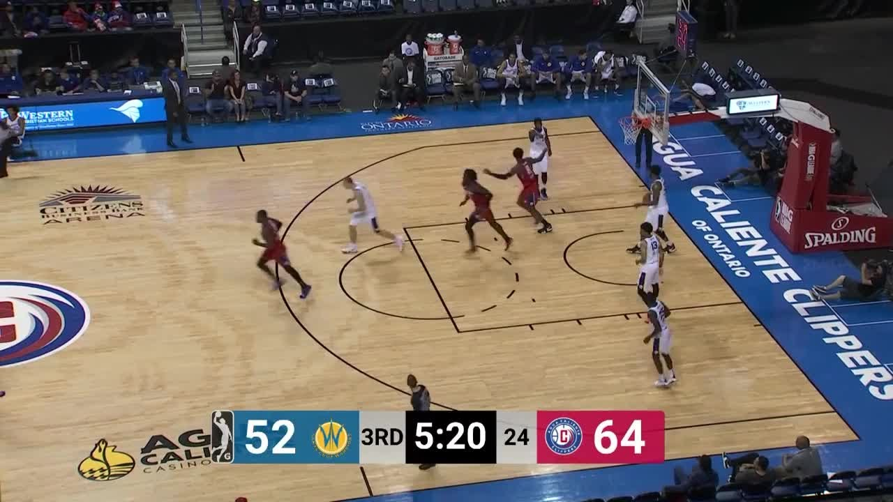 Two-Way Player Angel Delgado Posts 15 points & 19 rebounds In Agua Caliente Clippers Win