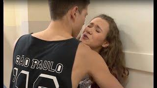 Agresywny uczeń został wyrzucony z drużyny koszykarskiej. Wyżył się na dziewczynie [Szkoła odc. 553]