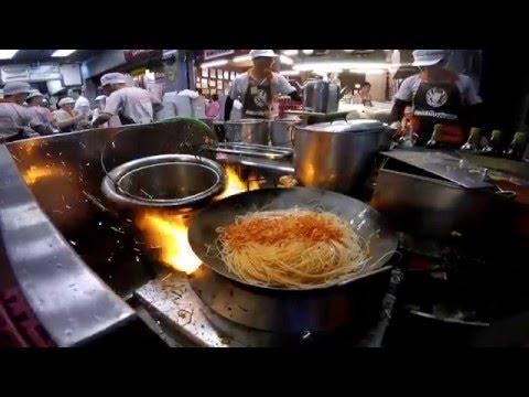Pad Thai Thip Samai Bangkok Street Food Thailand