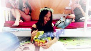【Prank/惡整】 Flying Butterfly Prank!紙蝴蝶惡整大爆笑!!