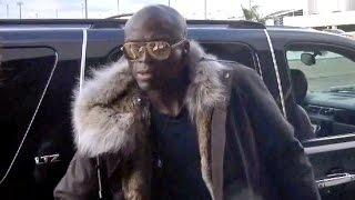 Seal Angered By Marriage Questions At LAX, Heading Out For Thanksgiving Holiday