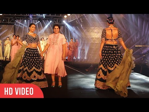 Swara Bhaskar Walks The Ramp At The Wedding Juction Show 2018