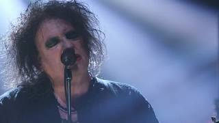 "The Cure perform ""Boys Don't Cry"" at the 2019 Rock & Roll Hall of Fame Induction Ceremony"