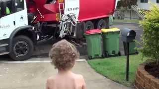 Cooper helps the Rubbish Truck Man