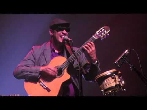 Invisible Chains - Raul Midon Live La Cigale Paris