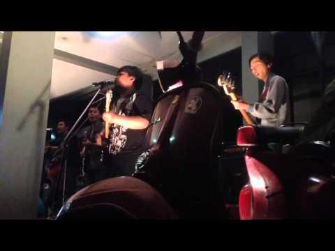 Dominggoes and Roots Feat. O2K2 Reggae - Three Little Bird  Medley Ini rindu