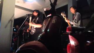 Dominggoes and Roots Feat. O2K2 Reggae - Three Little Bird  Medley Ini rindu