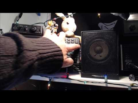 Tuning the Shortwave radio bands live November 25th 2016