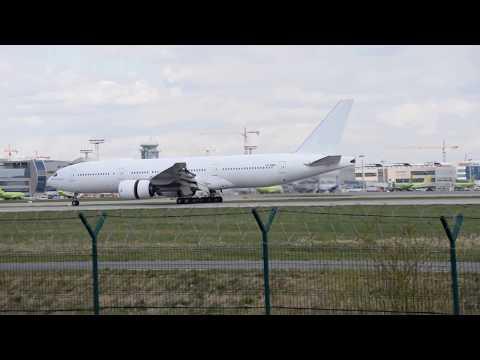 Boeing 777 VP-BMR VIM Airlines
