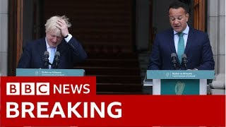 Johnson tells Varadkar no-deal Brexit 'would be a failure'  - BBC News