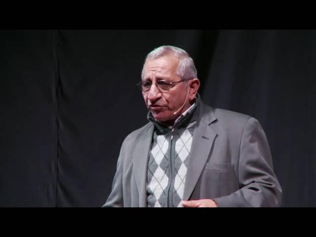 Pensar como un animal | Héctor Libré | TEDxSanIsidro