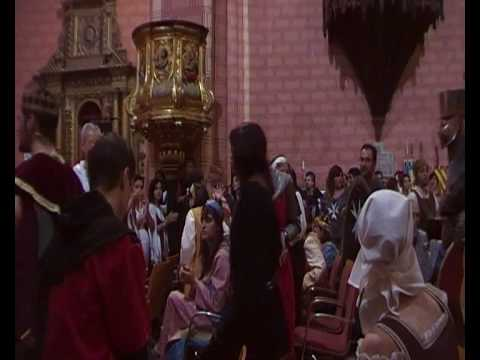 Almogávares saludan con la armas en alto a Alfonso I de Aragón