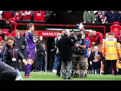 Sir Alex Ferguson & Edwin van der Sar Speech 19th Title Win 2011 Manchester United Champions