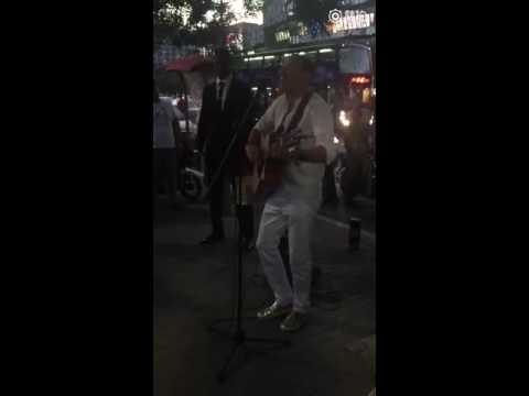 Chester Bennington of Linkin Park playing solo in the streets of Beijing 07032016
