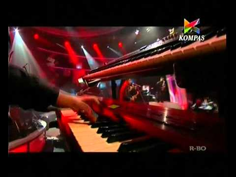 HiVi! - Love on Top (Beyonce Cover) live at Kompas TV