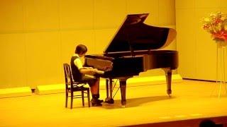 指がよく回っています。1年で成長し、現在はモーツァルトを弾いています...