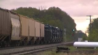 Video CSX Power Leads LSRC Flint Turn - Flint to Saginaw - 5/11/2013 download MP3, 3GP, MP4, WEBM, AVI, FLV April 2018