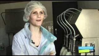 Livraison de lait à domicile - Cherel.mov