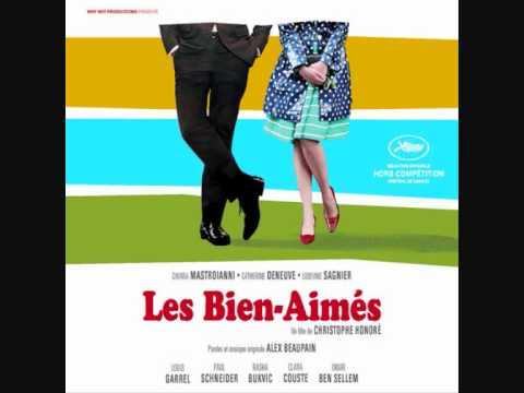 """Catherine Deneuve chante """"Je ne peux vivre sans t'aimer"""" - Les Bien-Aimés"""