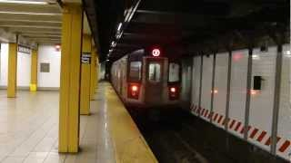 IRT Eastern Parkway Line: R142 2 Train at Grand Army Plaza-Flatbush Ave (Weekend)