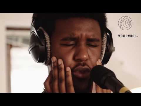 Novelist freestyle over Skream's 'Midnight Request Line' on Worldwide FM