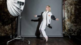 Эвелина Хромченко о себе и о моде(Подписывайтесь - http://www.youtube.com/mayaktv?sub_confirmation=1 Одна из самых влиятельных персон в мире моды, журналист, телеве..., 2016-05-11T17:19:19.000Z)