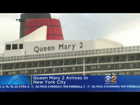 Queen Mary 2 Arrives In New York City