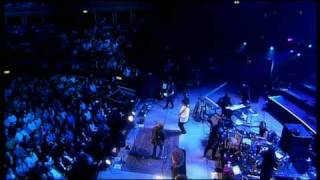 Download Zucchero - Bryan May (Madre Dolcissima) Mp3 and Videos