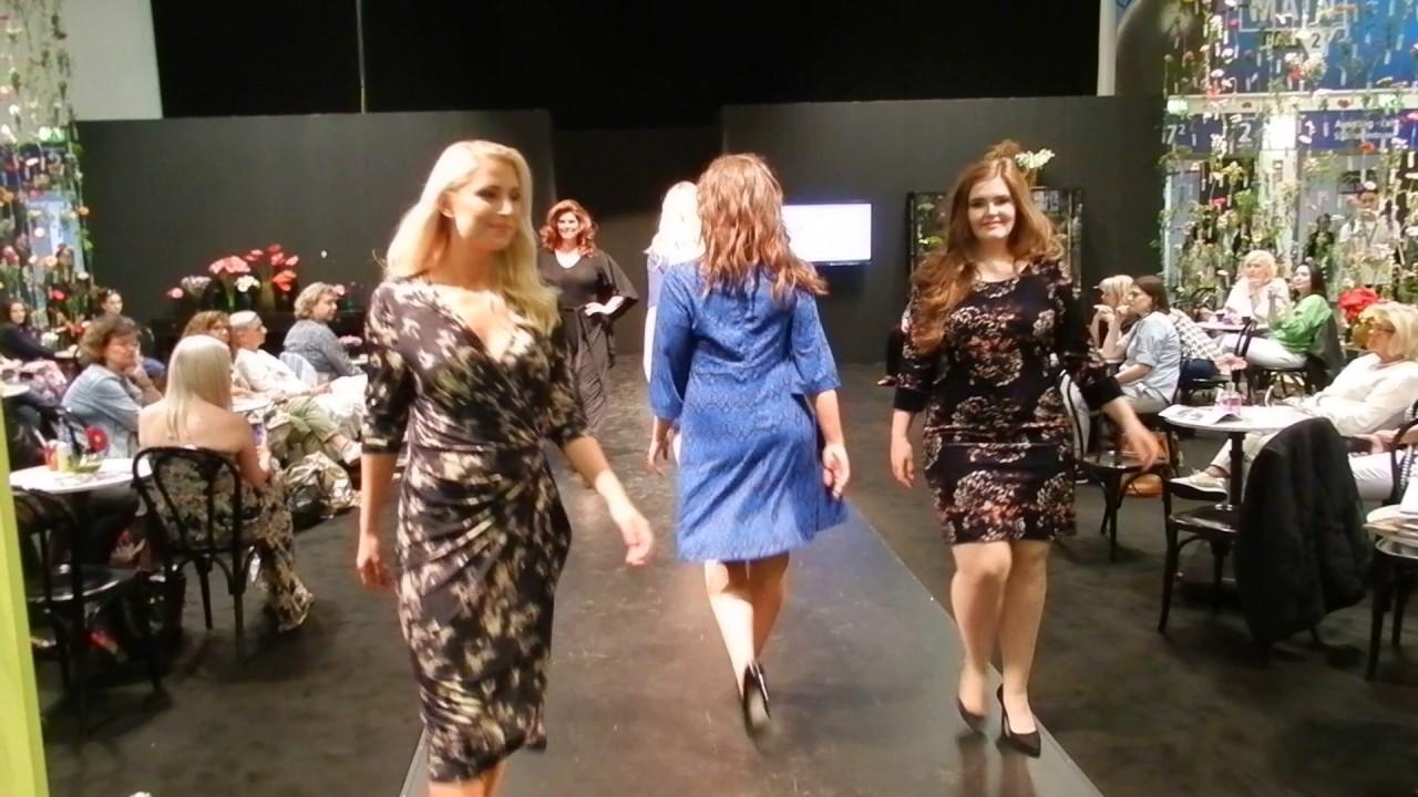 Sheego Modenschau Übergrößen Panorama Berlin Fashion Week ...