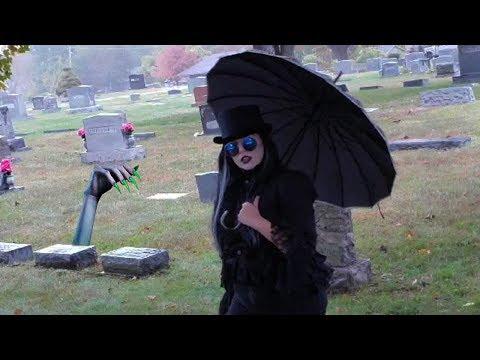 Queen of Nightmares - Graveyard Stream