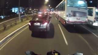 CB300: As merdas: Moto nervosa, descer do carro no meio da pista