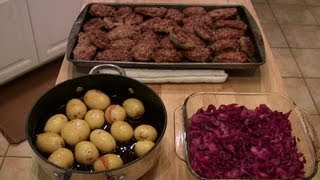 Frikadeller - Danish Meat Balls W/red Cabbage And Caramel Potatoes