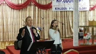 Biserica Alfa&Omega Leyton-Cristian si Cristiana Vaduva 1 (Seara prelunita 25.02.2017)