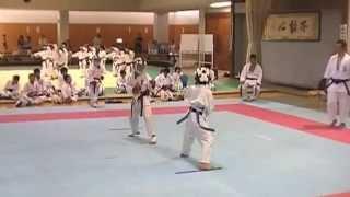 青 次男 小学4年 寸止め空手で練習試合 Kyokushin karate+Traditional...
