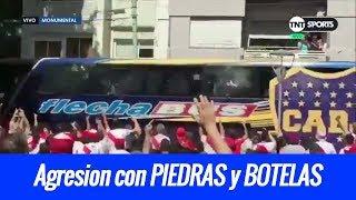 TERRIBLE AGRESION de Hinchas de River a autobús de Boca Juniors