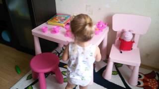 видео Что подарить девочке на 2 года? Идеи подарков