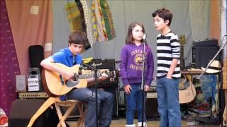 Donaidh & Peigi Barker singing