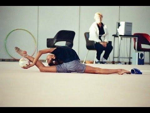 Как сесть на продольный шпагат- Гимнастика