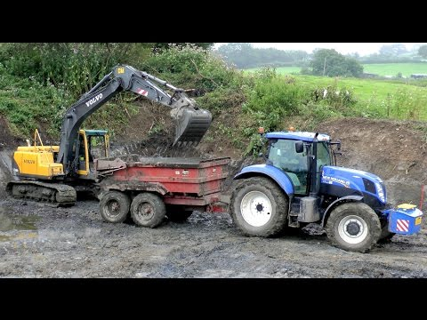 Building a Slurry Pit - Volvo digger Action.
