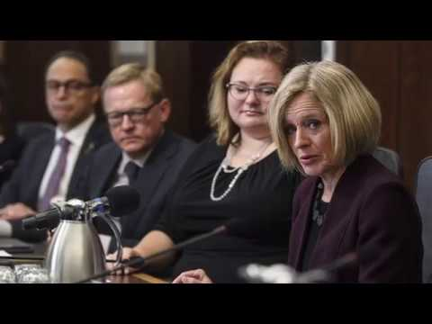 Notley vows that if Kinder Morgan pulls out of project, Alberta will be ready to buy it