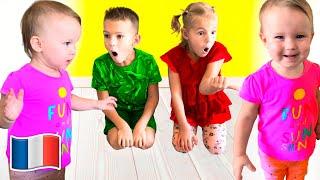 Cinq Enfants Jouer Au Babysitting