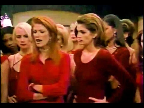 Cindy Crawford & Angie Everhart  on 3rd Rock From the Sun 1998