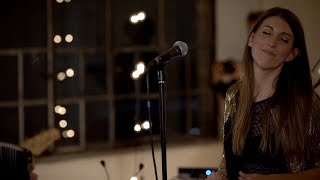Baixar Anne Eck - Sweet Child O' Mine Acoustic Cover (RISE Release Concert)