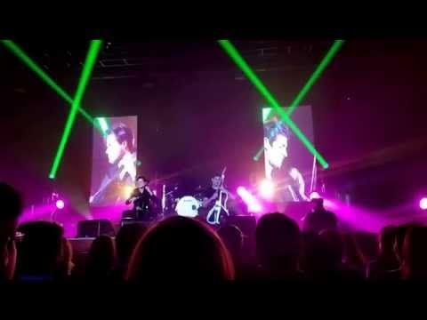 Smooth Criminal - 2Cellos Concert - New York City