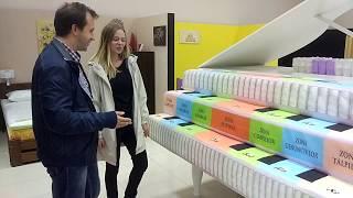 Ай-стоппер в виде рояля из матрасов компании Sonaris - ММКЦ - Сергей Александров