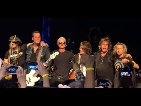 Stone Temple Pilots joined by Joe Perry (Aerosmith) + Johnny Depp March 8 2018