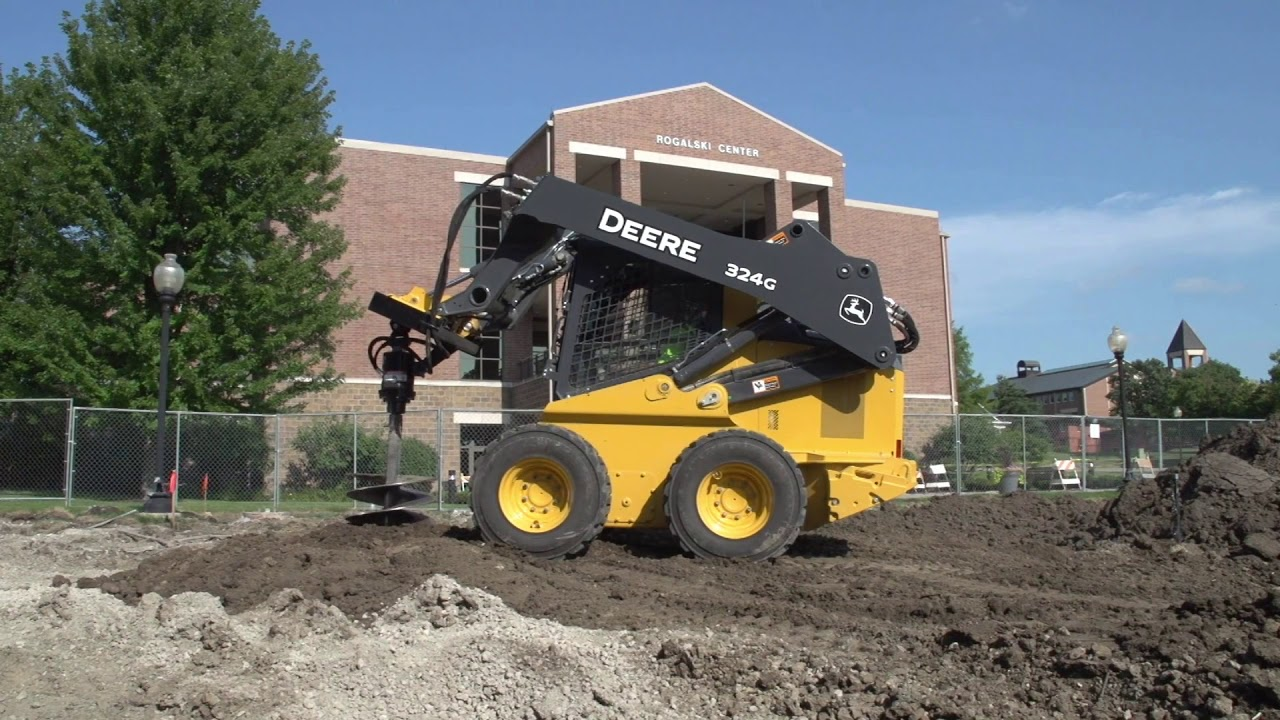 John Deere Skid Steer >> John Deere 324g Skid Steer Youtube