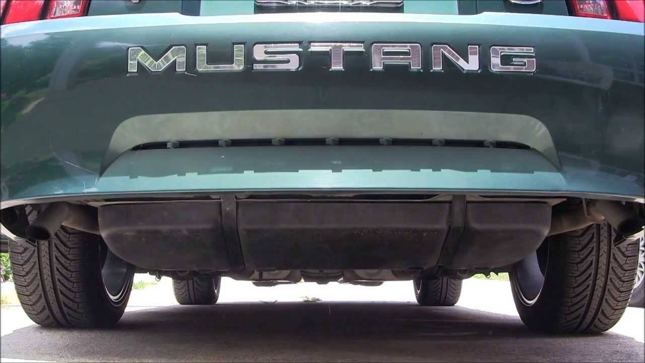 2000 ford mustang 3 8l with dual flowmaster exhaust start up rev