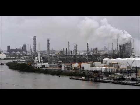 Hurricane damage shuts down major US oil refineries